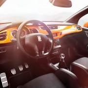 Intérieur de Citroën DS3 Racing Noir Obsidien et Orange