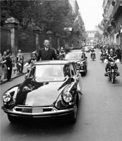Le Général De Gaulle en Citroën DS